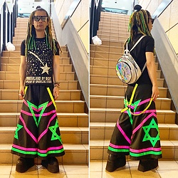 @KiD - W&Lt Star Tee, Room Eichi Raver Pants, Buffalo Platform, Cyber Dog Bag, Typhoon Mart Sunglasses - JapaneseTrash590
