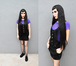 Elsa Lucía Flores - Misfits Purple T Shirt, T.U.K. Footwear Black Suede Creepers, Hot Topic Black Fishnet Tights - Horror Business