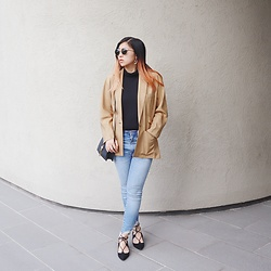 Dana Nguyen - Quay Sunglasses, Nordstrom Blazer, Missguided Purse, Abercrombie & Fitch Jeans, Charles David Heels - Girlboss