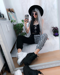 Kimi Peri - Altercore Mossi Platform Sneaker, Romwe Plaid Chain Pants, The Ragged Priest Chain Top, Killstar Sigil Omen Fedora Hat, Youvimi Two Toned Hair, Vii & Co. Round Glasses, Solrayz Moonstone Necklace - Romwe Fun 💕