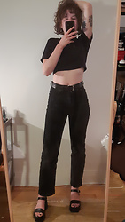 Catherine - Second Hand Diy Cropped Tee, Weekday Rowe Jeans, L'intervalle Platform Sandals, Second Hand Old Belt - Late 70's rock and roller