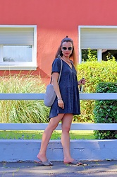 Rimanere Nella Memoria - Jimmy Choo Sunglasses - Grey Minidress