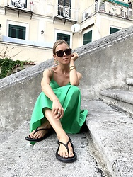Anna Borisovna - Zara Dress, Zara Home Shoes, Bottega Veneta Sunglasses - The green dress