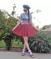 Saguaro Style - Target Stranger Things Tee, Target Red Plaid Skirt, Sven Clogs Red Woven, Miss Patina Black Cat Beret - 09.04.20