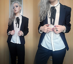 Grim Alex - Sinsay White Shirt With Lace, New Yorker Navy Blue Blazer, H&M Black Jeans, Aliexpress Various Rings, Aliexpress Moon Earrings - Business Casual