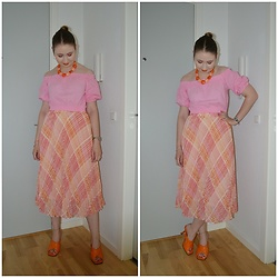 Mucha Lucha - H&M Top, H&M Skirt, Topshop Heels - Summery pink and orange