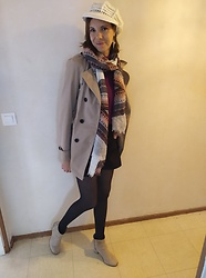 Sabrina Lamandé - Handmade, Bonobo Scarf, Bershka Pull Over /Top, C&A Trench Coat, H&M Boots - Effortless Parisian outfit