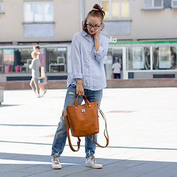Iva K - C&A Shirt, Bershka Jeans, Tamaris Sneakers - Summer day