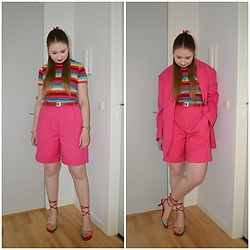 Mucha Lucha - Monki Blazer, Stradivarius T Shirt, Second Hand Belt, Monki Shorts, Second Hand Heels - Rainbow suit look