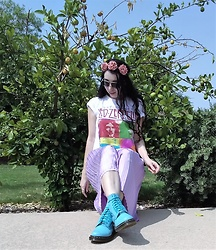 Saguaro Style - Led Zeppelin Tee, Purple Skirt, Dr. Martens Bright Blue Doc - 09.12.20