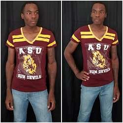 Thomas G - E5 V Neck 'Arizona State University Sun Devils' Shirt, Levi's 511 Strauss & Co - V-neck & Denim jeans