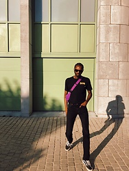 Jon The Gold - Vans Black X Thrasher T Shirt, Vans Black Sneakers, Levi's® Black Denim Pants, Adidas Purple Sidebag - Black on Fridays