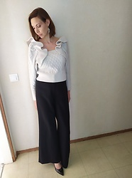 Sabrina Lamandé - H&M Top, H&M Flare Trousers, H&M High Heels -  unusual kind of top/H&M total look
