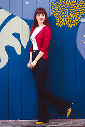 Bleu Avenue Ofbleuavenue - Yemak Charter School Cardigan, Collectif Circus Print Tee Shirt, Femme Luxe High Waist Jeans - Casual Chic