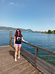 Kate P. - H&M Violet Shorts - Traunsee