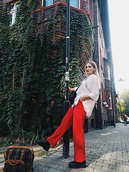 Alice -  - Red pants