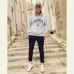 Thibaud Coquillon - Oxford Hoodie, H&M Pants, Victoria Sneakers - #17