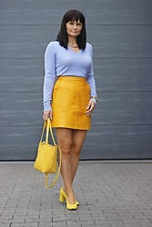 Moda_i_takie_tam - United Colors Of Benetton Lilac Sweater, Zara Honey Leather Skirt - Honey bee