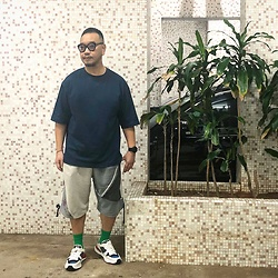 Mannix Lo - Uniqlo U Oversize Tee, Midwest Patchwork Vintage Sweat Shorts, Miharayasuhiro Sneakers - Less Ego, More Soul