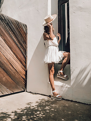 K-laa White - Nectar Right On Cami Dress, Steve Madden Kimmie Sandal, Lack Of Color Rancher Hat - F L O W Y