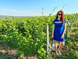 Kate P. - Calvin Klein Blue T Shirt Dress, Pepco Black Sunglasses - South Moravia with CK