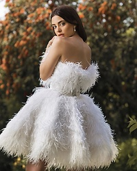 Mery Jeferly -  - White Feathers dress