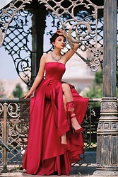 Mery Jeferly -  - Red Dress