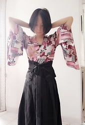 Nowaki Selenocosmia - Eam Large Belt, Etam Kimono Sleeves Top - Silk