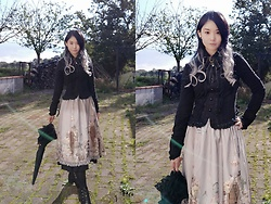 Nowaki Selenocosmia - Bodyline Black Shirt, Violet Fane The Funeral Skirt - Witchy