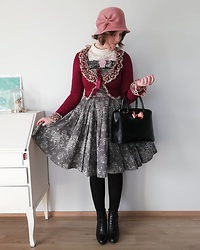 Mari Susanna - Kn Collection Hat, Milk Ribbon Brooch, Innocent World Bolero, Ted Baker Bag, Tamaris Boots - Burgundy & old rose