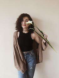 Sadi Chuiko - Zara Cardigans, Bershka Jeans, Pull & Bear Top - Seasons poetry 🍁