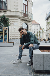 Alexander Renzl - Crime London White High Top Sneakers, Sik Silk Blue Ripped Jeans, Palm Angels Green Shirt - Life's good