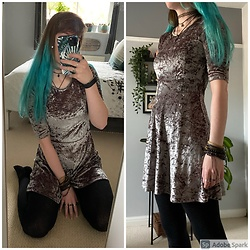 Space Coyote - Topshop Grey Velvet Dress - White Noise