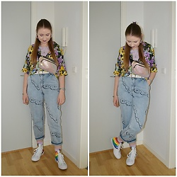 Mucha Lucha - Monki Shirt, H&M Top, Skinnydip Belt Bag, Asos Belt, H&M Jeans, Converse Sneakers - Relaxed, effortless vibe