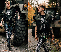 Carolyn W - Bazaardodo Mecha Girl, Womenson Vest, Black Milk Clothing Mecha, Fly London Ankle - Autumn Apocalypse