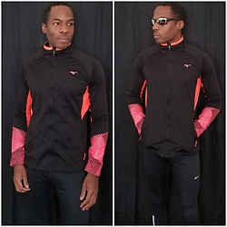 Thomas G - Mizuno Breath Thermo Softshell Jacket, Nike Running Tights, Generic Sunglasses - Breath Thermo Softshell Jacket