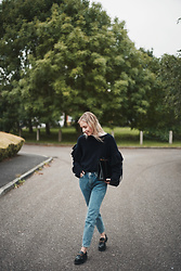 Daniella Robins -  - Great Navy Knitwear