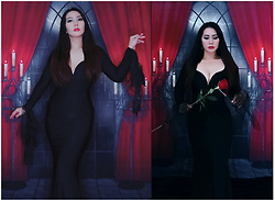 Jane E. -  - Morticia Addams 🥀🖤🕯