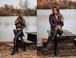 Marcela Wlodarczyk -  - Black look