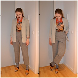 Mucha Lucha - Second Hand Blazer, Topman Shirt, Glamorous Belt, Second Hand Trousers, Asos Heels - Dinosaur shirt