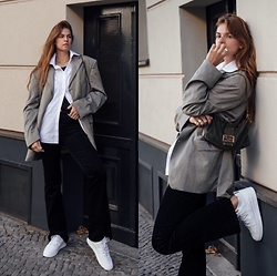 Jacky - Vintage Blazer, Karl Lagerfeld Shirt, 7 For All Mankind Pants, Nubikk Sneaker, Fendi Vintage Bag - Oversized Shirt und Blazer