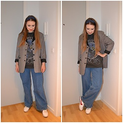 Mucha Lucha - Second Hand Blazer, Asos T Shirt, H&M Jeans, Nike Sneakers - Oversized and loose fitted