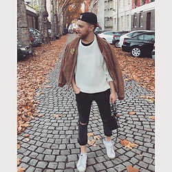 Thibaud Coquillon - Asos Sweater, Levi's® Cap, Hxtn Supply Bag - #18