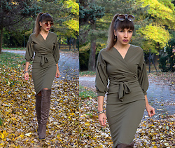 Jointy&Croissanty © - Femme Luxe Dress - Earth tones