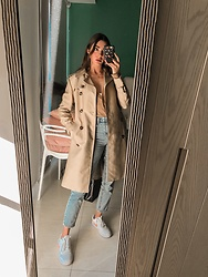 Mariana Garza - H&M Trench Coat, Nike Sneakers - It's not cold enough for this outfit
