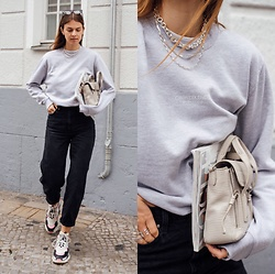 Jacky - Balenciaga Sneaker, Levi's® Black Jeans, Onweekends Oversized Pullover, 3.1 Phillip Lim Small Bag - Onweekends pullover combined casual