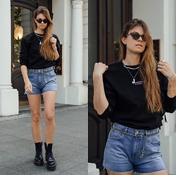 Jacky - Onweekends Sweater, Tommy Hilfiger Jeans Shorts, Dr. Martens Black Boots - Denim shorts, boots and sweater