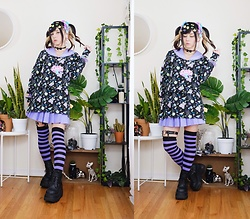 Lovely Blasphemy - Demonia Boots, Creepyyeha Heart Leg Harness, 6%Dokidoki Mushroom Necklace, 6%Dokidoki Cardigan - Black x purple