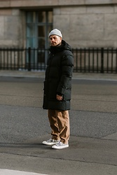 Kevin Elezaj - Converse Sneakers, Folk Pants, Acne Studios Parka, Zign Beanie - Ready for the cold