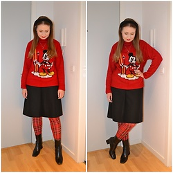 Mucha Lucha - H&M Jumper, Second Hand Skirt, Monki Tights, Topshop Boots - Mickey Mouse and tartan tights